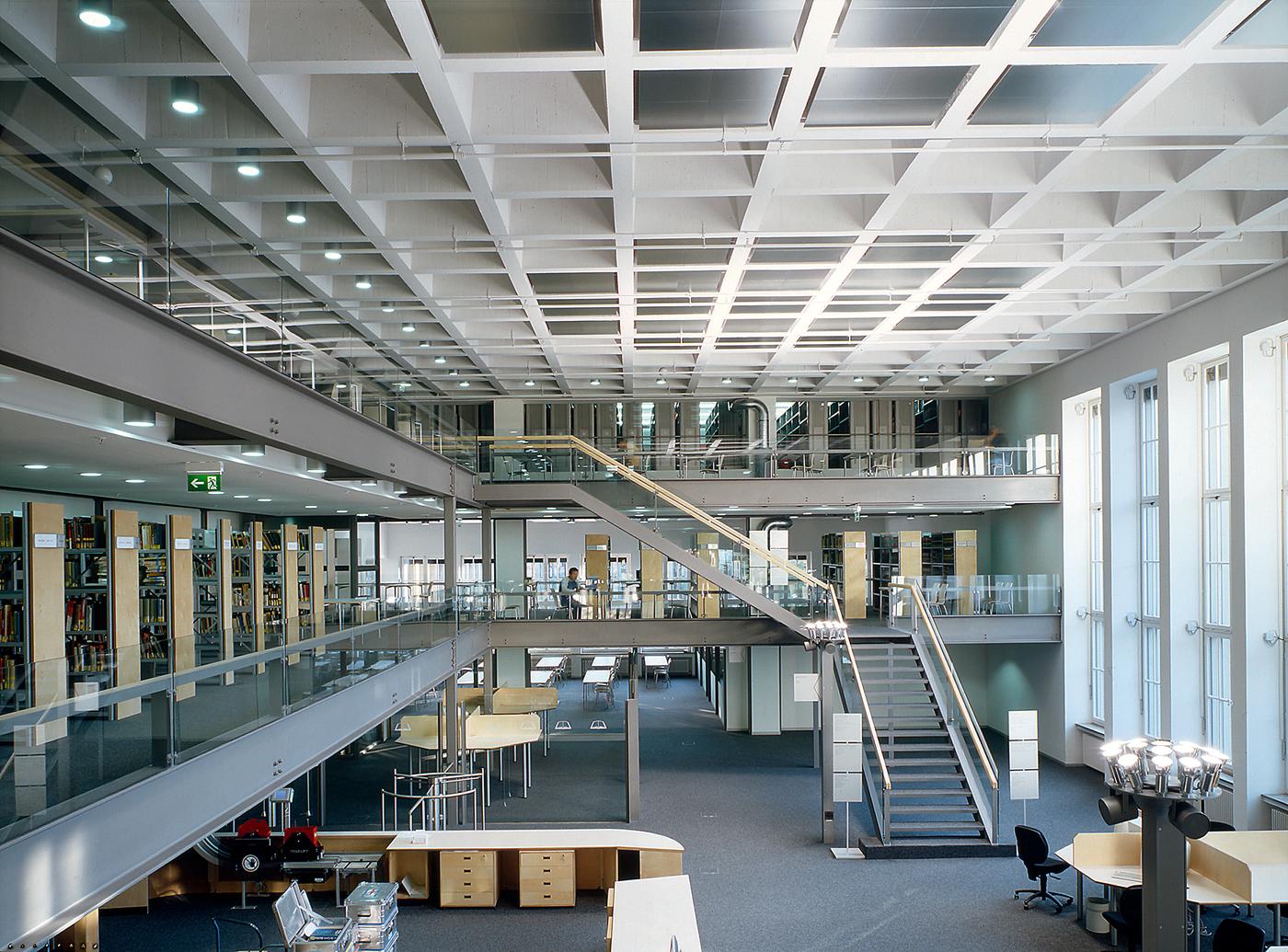 Teilbibliotheken universit tsbibliothek der tum for Uni architektur