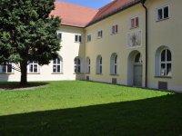 Innenhof des ehemaligen Franziskanerklosters in Straubing
