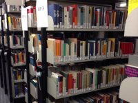 Books of the Hochschule für Politik in the library stacks